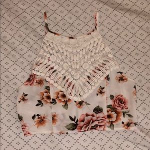 Flower patterned crop top 🌺 NWOT